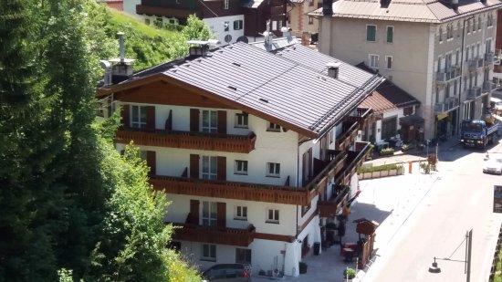Panorama dei monti di cortina bild von hotel meuble for Hotel meuble villa neve