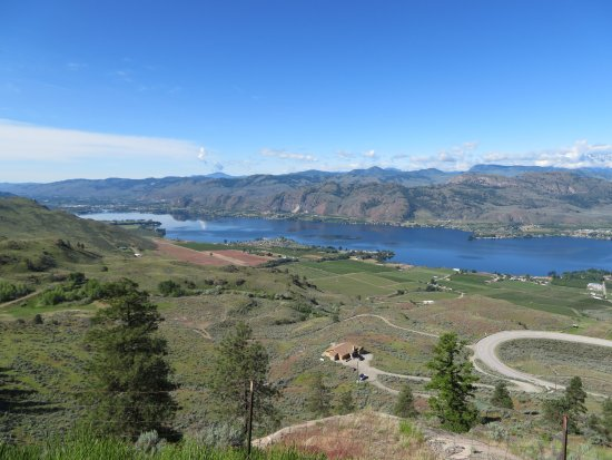 Osoyoos, Canada: And looking south