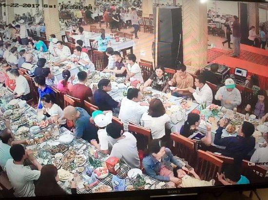 Ninh Binh Province, เวียดนาม: Không gian nhà hàng