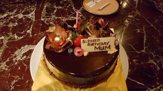 Prego: Decadent Chocolate Cake