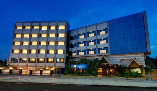 Comfort Inn Sunset: Hotel Exterior Photo night vidion