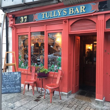 Tully's Bar