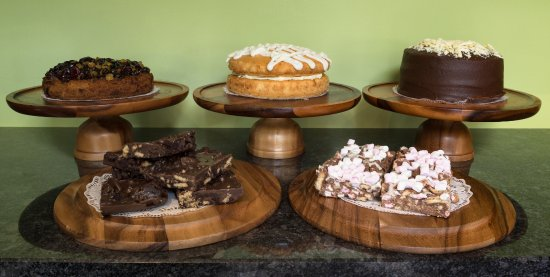 Pooley Bridge, UK: Some of Granny's homemade cakes