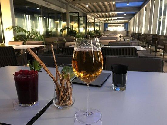 Dos Cielos : Menú degustación y previa de una cerveza en la terraza disfrutando de las vistas.