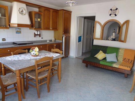 soggiorno bilocale - Picture of Casa Di Civitina, Ponza Island ...