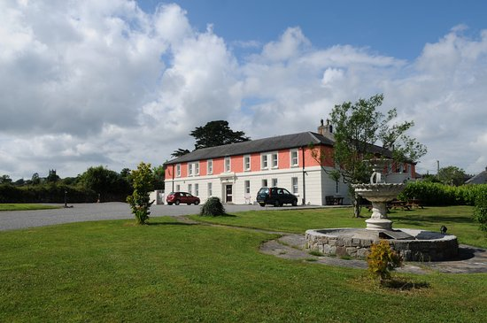 The Pilgrims Rest Hotel (ADULTS ONLY): Pilgrims Rest with Mt Melleray Abbey in the background