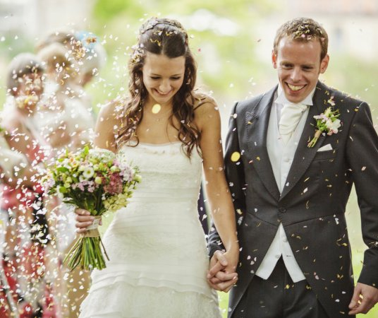 Pershore, UK: Confetti Throw