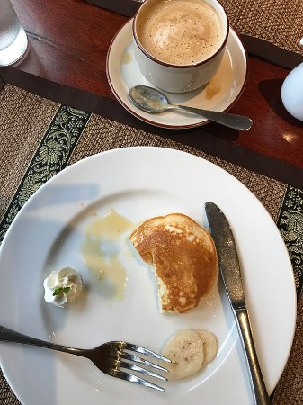 Salana Boutique Hotel: Breakfast buffet, part of my breakfast, pancake