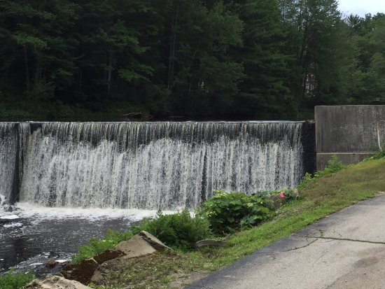 Peterborough, NH: Listen to the waterfall while enjoying your coffee