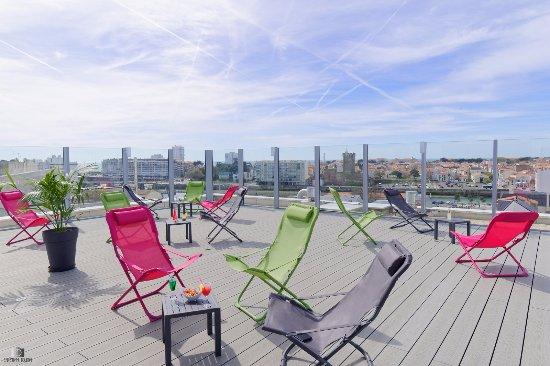 Kyriad Les Sables D'Olonne - Plage : Terrasse panoramique Solarium