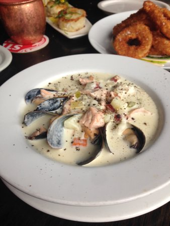 Blue on Water: The Chowder and best Onion Rings ever!