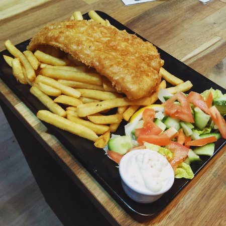 Prestwich, UK: Fish N' Chipz