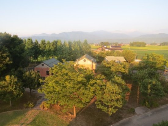 Nyuzen-machi, Japan: 奥には散居村の風景