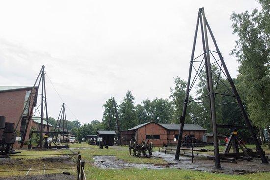 Wietze, Allemagne : Original on-site drilling rigs