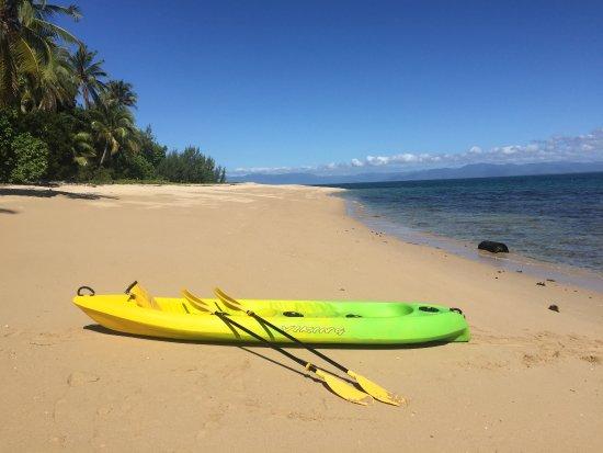 Bedarra Island, Australia: kayaking around the island