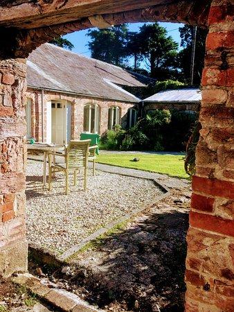 Par, UK: The Coach House