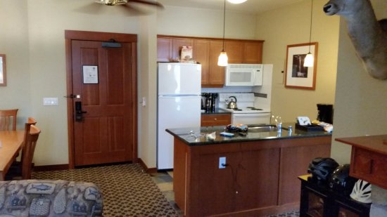 The Village At Squaw Valley: Kitchen area