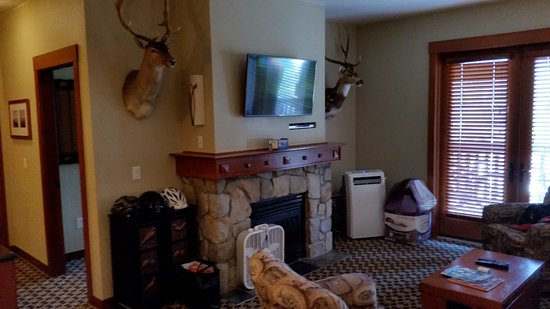 The Village At Squaw Valley: Living Room area
