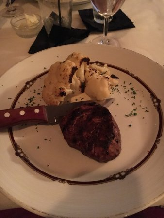 Manitowish Waters, WI: Petite filet with cauliflower
