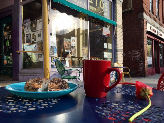 Montpelier, VT: Our outdoor seating in the summer is right on Main Street!