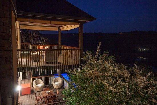 Kenton-on-Sea, Zuid-Afrika: Evening iew of upper and lower decks