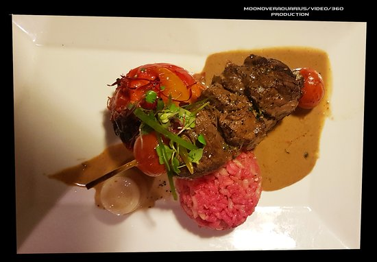 Birchwood Hotel: Different meals we ate