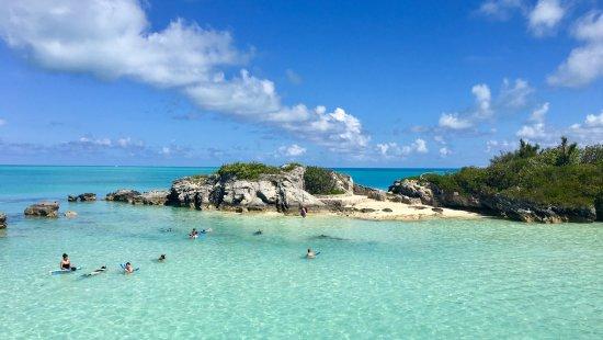 Hamilton, Bermudas: Devil's Isle Cruise Beach Snorkel, view from the boat
