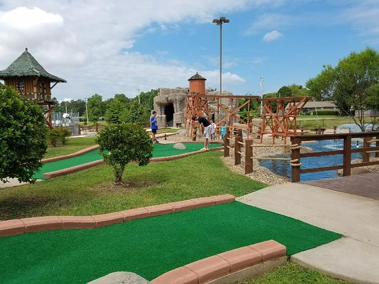 Salty Harbor Mini Golf & Fun Park