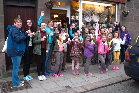 Stonehaven, UK : Group of Brownies visit E Giulianotti's ice cream shop.