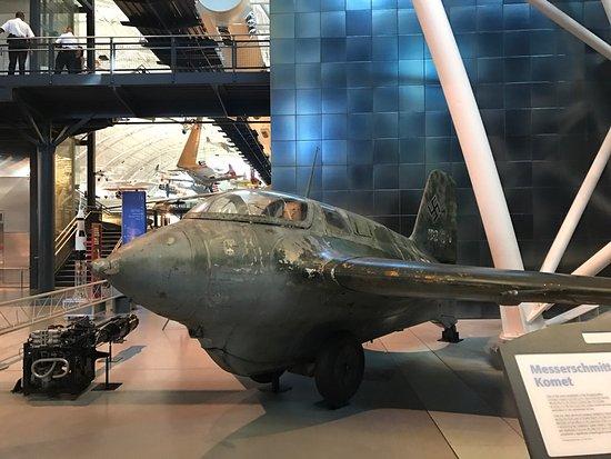 แชนทิลลี, เวอร์จิเนีย: One of the best museums to visit and way better than the one of DC. Amazing aircrafts at this pl