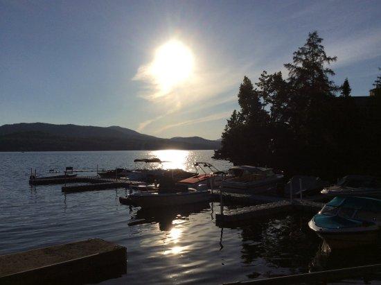 Georgeville, Canada: Vue de la terrasse en fin de pm.