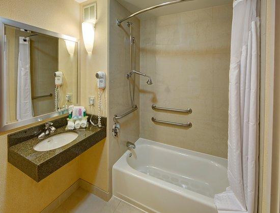 Cookeville, TN: Standard ADA Bathroom