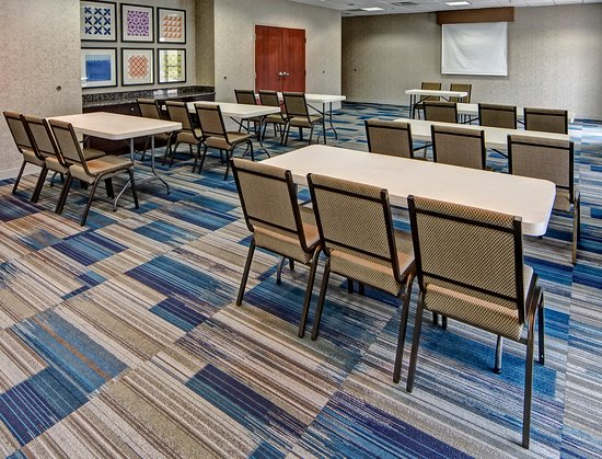 Cookeville, TN: Highlands Meeting Room