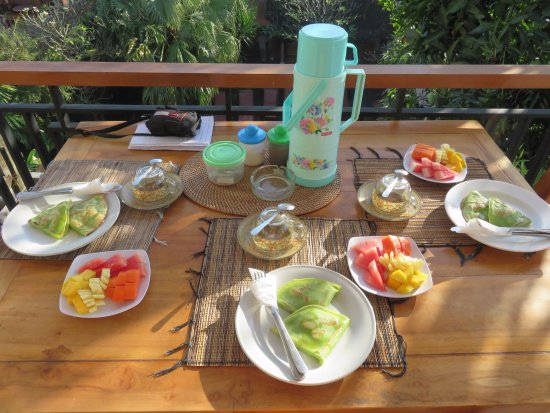 Mandia Bungalows: Desayuno con crépe de plátano