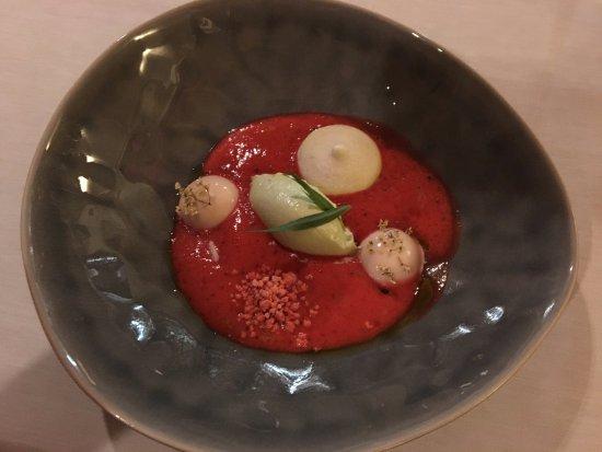 Restaurant Jägerhof: Erdbeer-Holunder-Estragon-Dessert