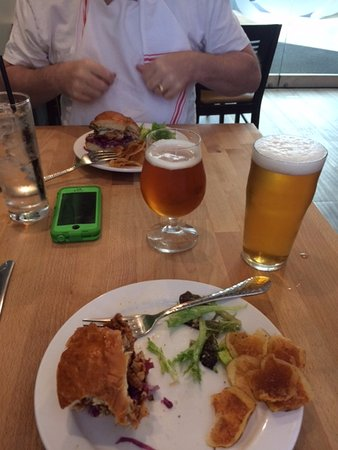 Quincy, MA: Great sandwich, chips, and beer too!