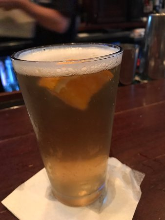 Pearlz Oyster Bar: summer ale