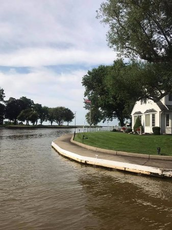 Vermilion, OH: Lagoon with Lake Erie in background