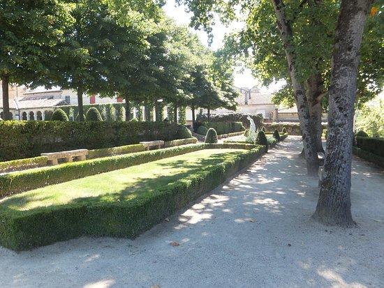 Marmande, Prancis: Allée jardin.