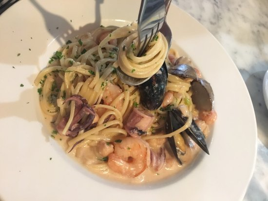 Sotto Mare Oysteria & Seafood : photo2.jpg