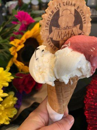 MAIA: Raspberry and stracciatella flavours