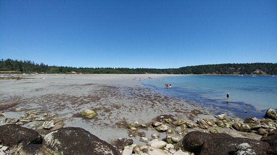 Tribune Bay Provincial Park