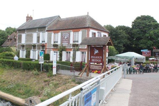 Benouville, France: Cafe Gondree