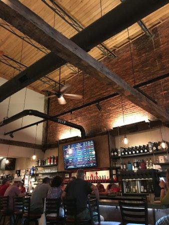 Delaware, OH: bar