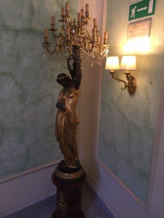 Sant'Agnello, إيطاليا: Elegant lighting