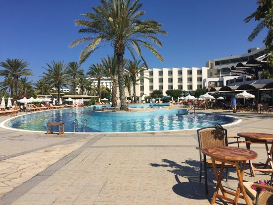 Constantinou Bros Athena Beach Hotel: 1 of the pools