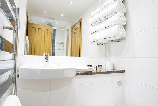 Little Budworth, UK: Bathroom in The Grand Fir