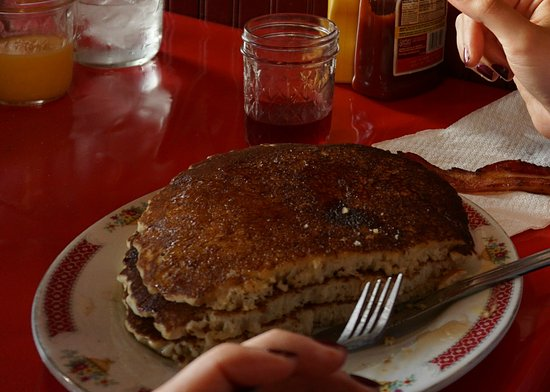 Walnut, IA: Pancakes