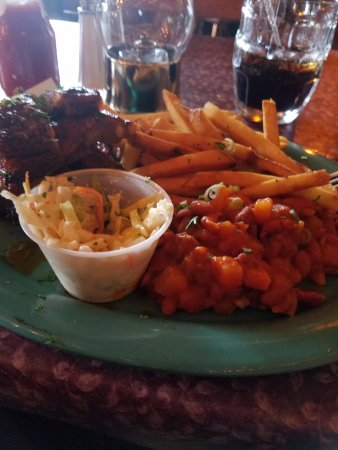 Old Forge Restaurant: BBQ ribs with coleslaw and fries