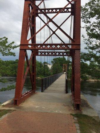 Androscoggin Swinging Bridge: Bridge